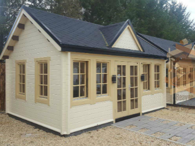 clockhouse-cabin-400