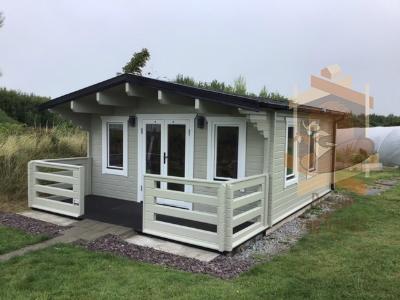 Log cabin Hannah