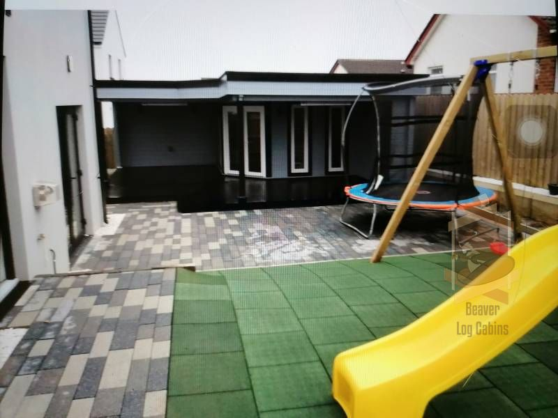 Bridgend log cabin with penthouse playframe
